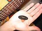 The Wing Pick − For Guitars and all Stringed Instruments